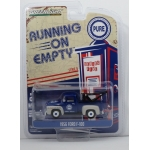 Greenlight 1:64 Ford F-100 1956 with Drop-in Tow Hook Pure Oil