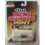 Racing Champions 1:64 Plymouth Road Runner 1968 satin beige